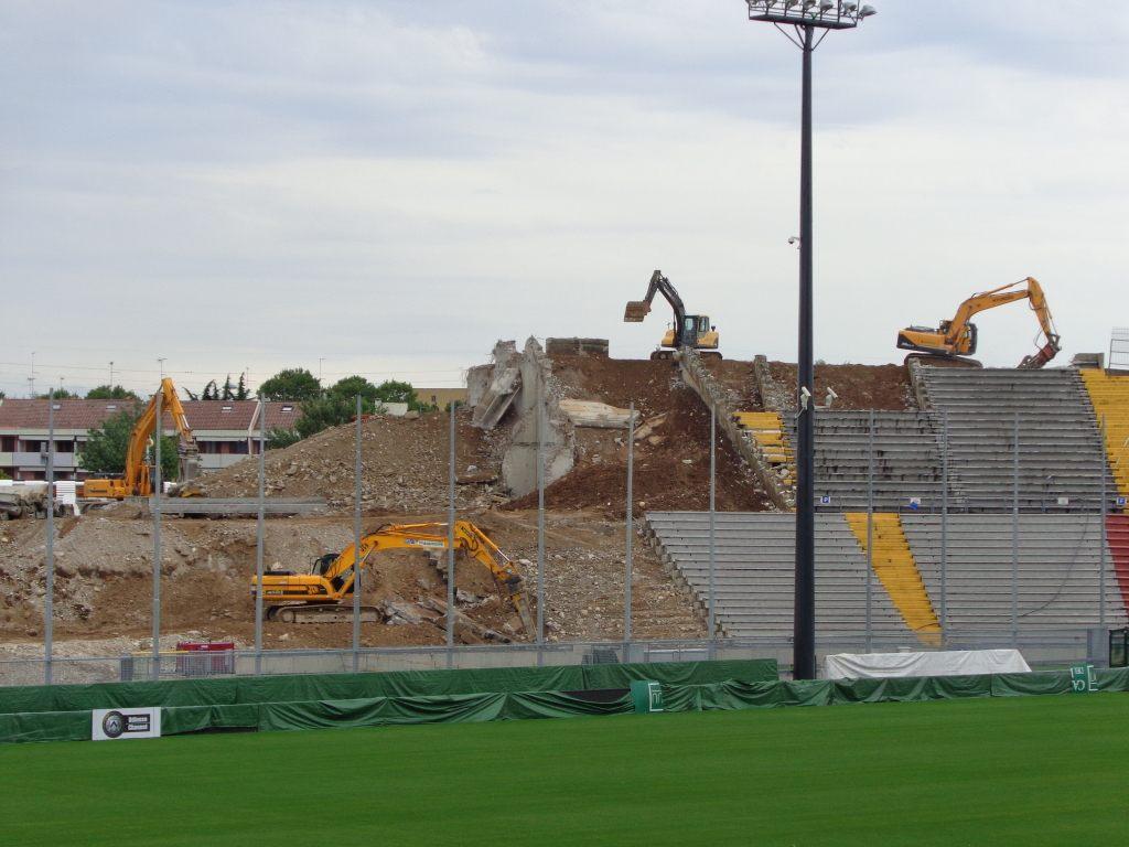 http://stadiums.at.ua/_nw/201/39243360.jpg