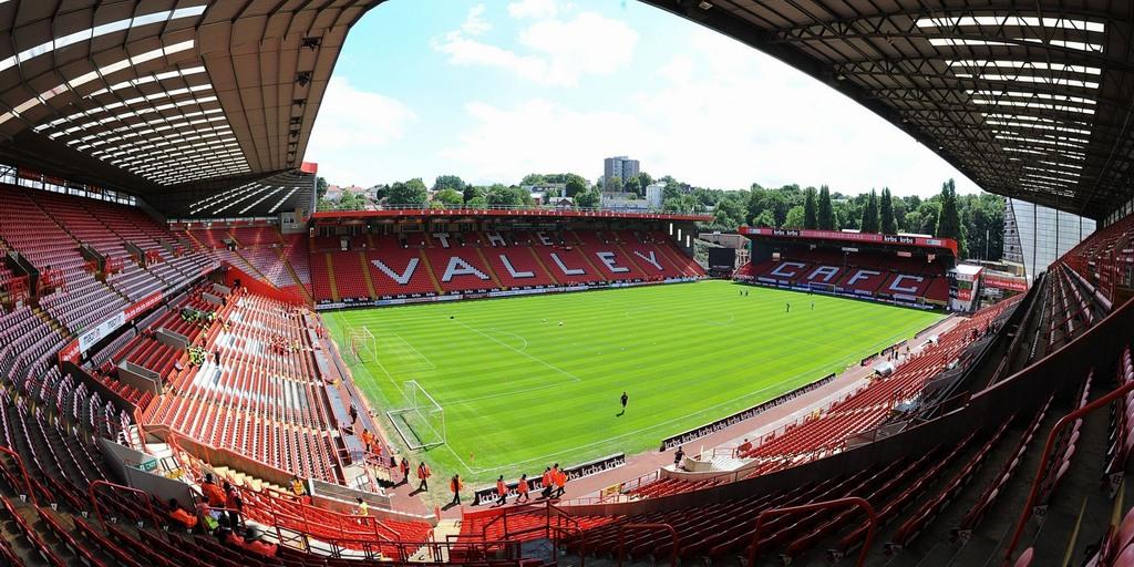 http://stadiums.at.ua/_nw/201/76483090.jpg