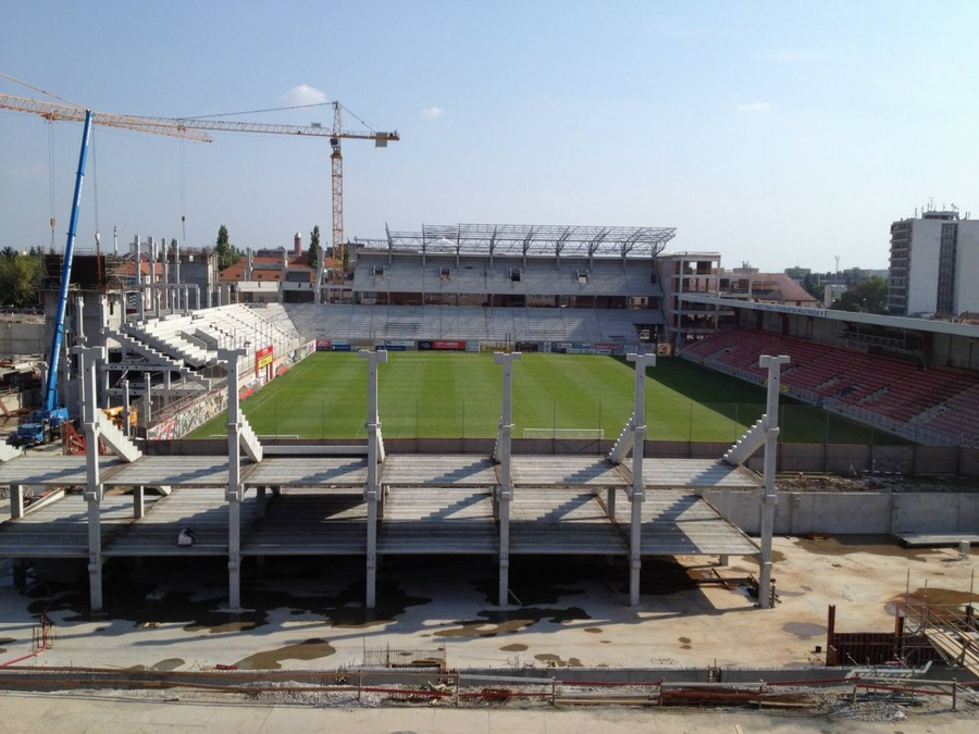 http://stadiums.at.ua/_nw/209/78837455.jpg