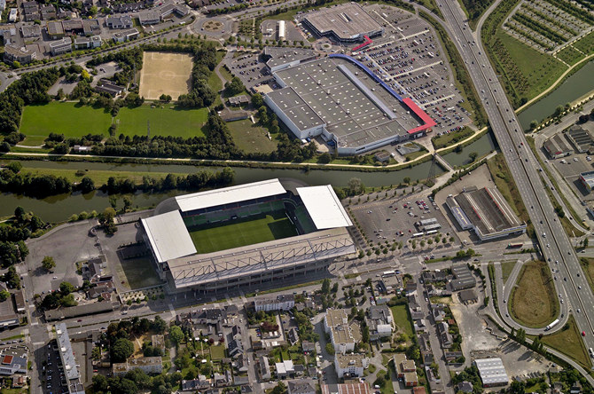 http://stadiums.at.ua/_nw/210/15731512.jpg