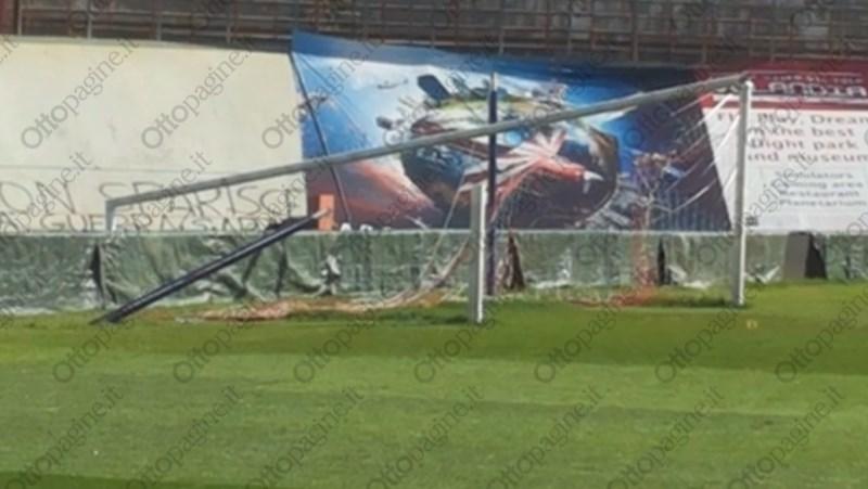http://stadiums.at.ua/_nw/215/85627578.jpg
