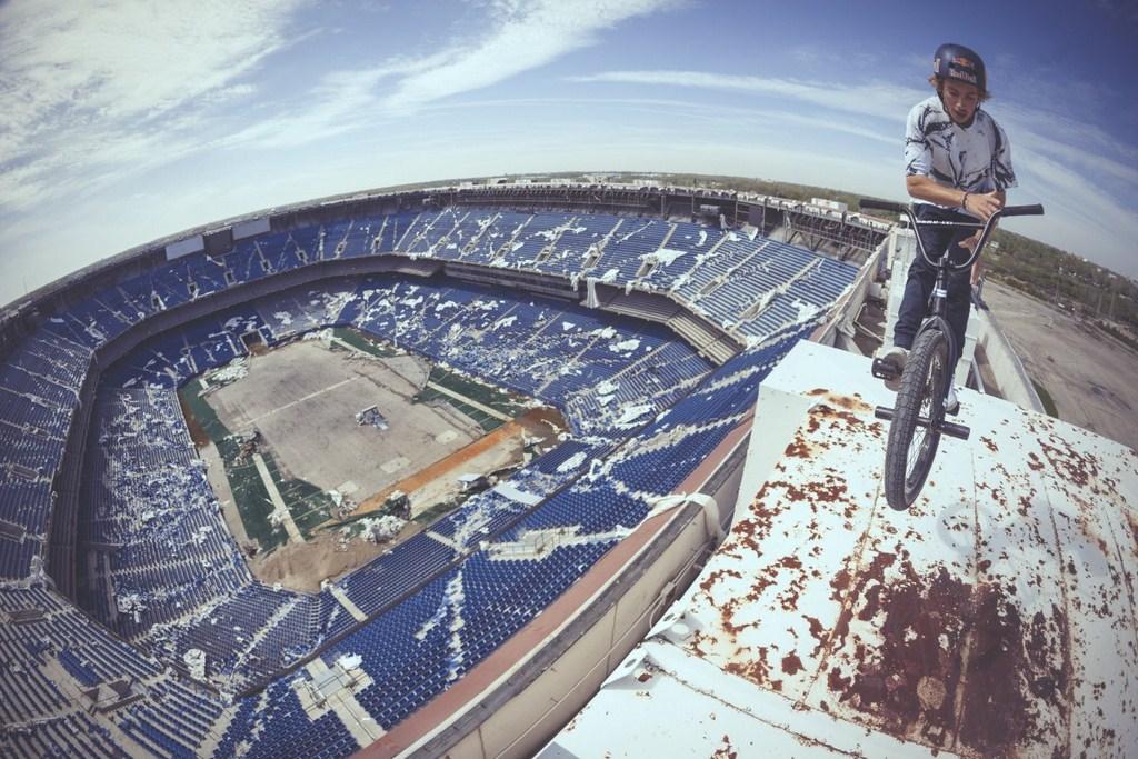 http://stadiums.at.ua/_nw/223/22387942.jpg