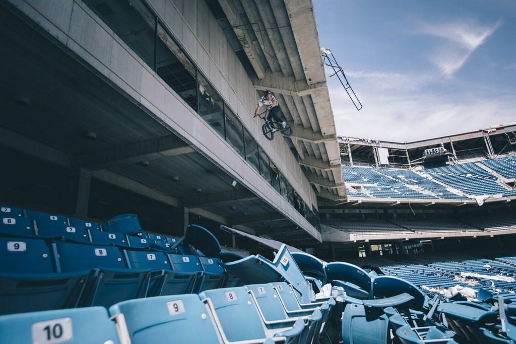http://stadiums.at.ua/_nw/223/53797652.jpg