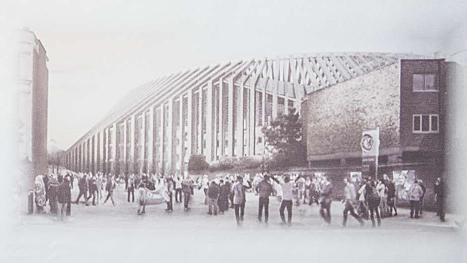 http://stadiums.at.ua/_nw/225/04654318.jpg