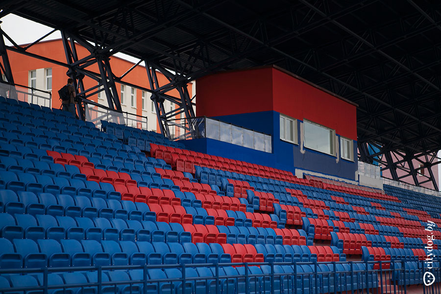 http://stadiums.at.ua/_nw/225/99569591.jpg