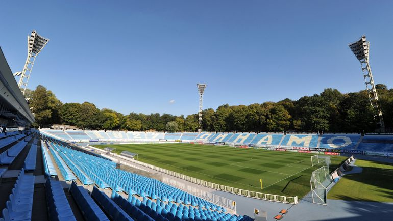 http://stadiums.at.ua/_nw/234/38518989.jpg