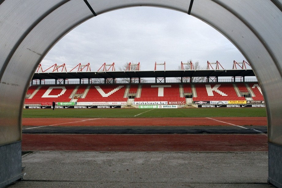 http://stadiums.at.ua/_nw/235/16360172.jpg