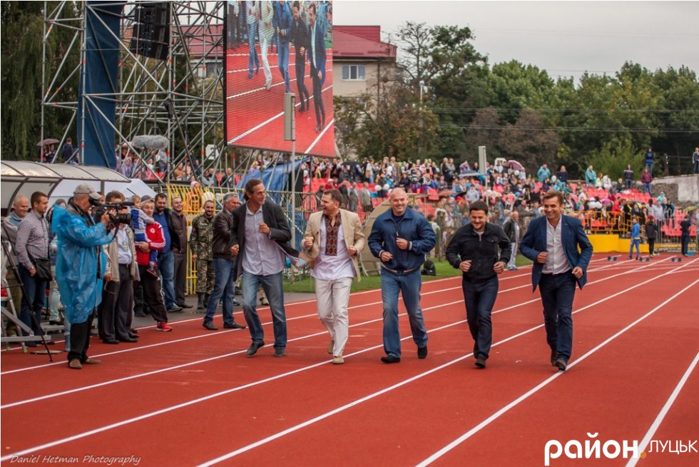 http://stadiums.at.ua/_nw/236/08101883.jpg