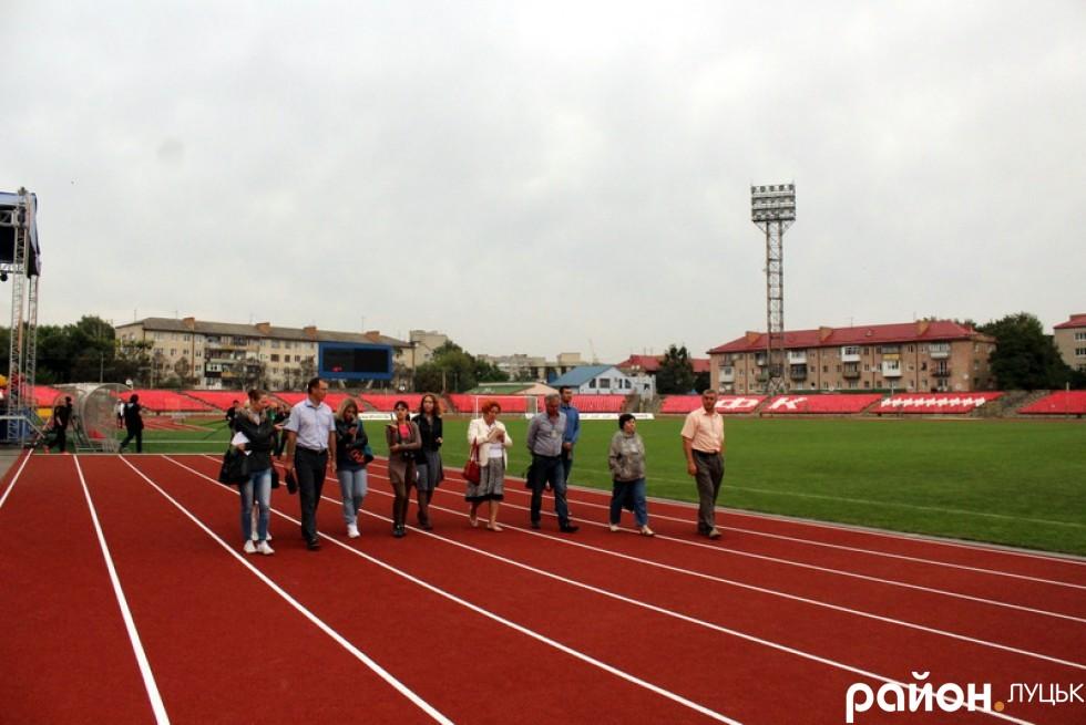 http://stadiums.at.ua/_nw/236/10836815.jpg