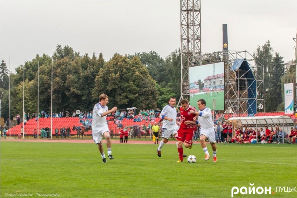 http://stadiums.at.ua/_nw/236/20354344.jpg