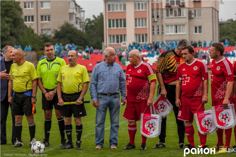 http://stadiums.at.ua/_nw/236/30371561.jpg